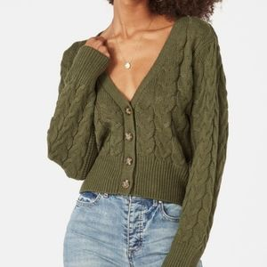 (NWT) JUSTFAB Cable Knit Button Front Sweater